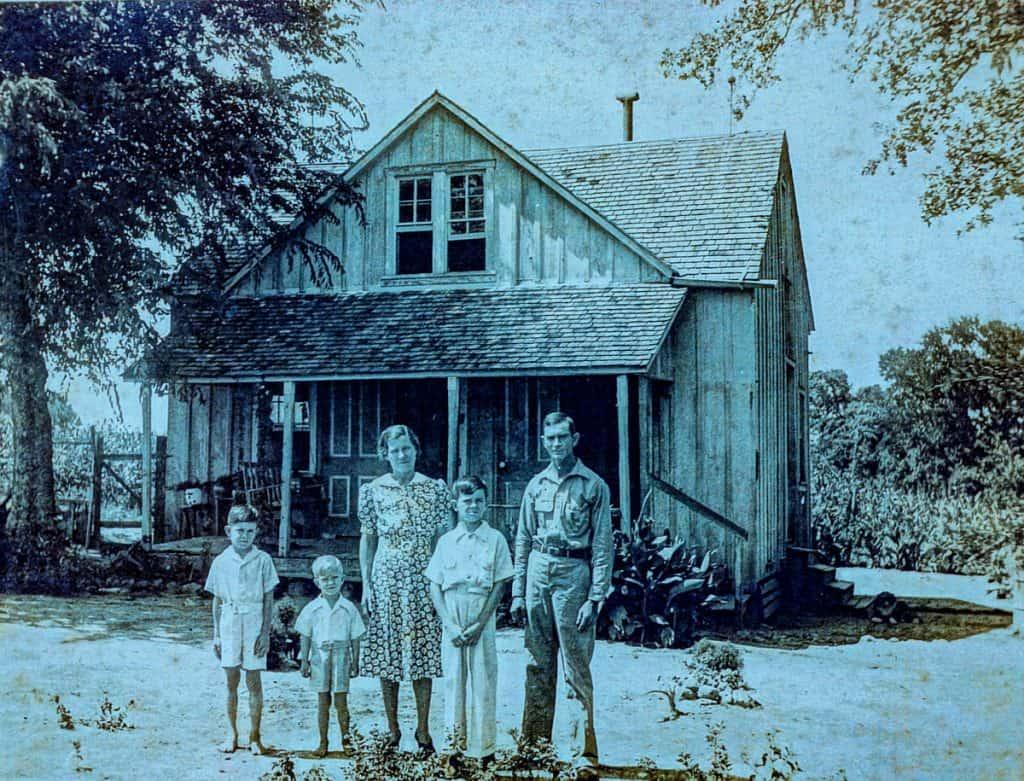 Farmhouse Family Photo